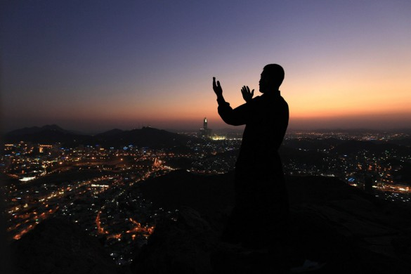 prayer-in-mecca-evening-skyline